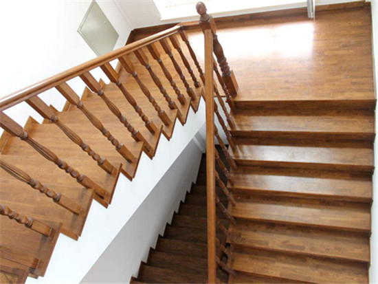 实木楼梯扶手哪种好